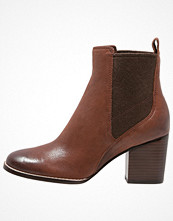 Clarks OTHEA RUBY Ankelboots dark tan