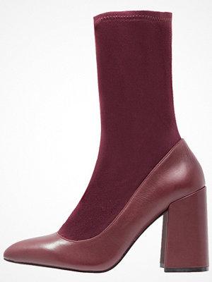 Shellys London ELY Klassiska stövlar burgundy