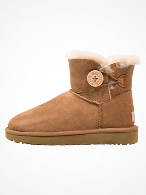 UGG MINI BAILEY BUTTON II Vinterstövlar chestnut