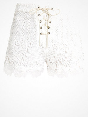 Shorts & kortbyxor - Missguided Petite Shorts white