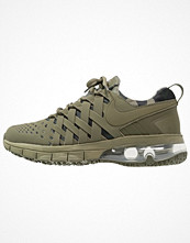 Sport & träningsskor - Nike Performance FINGERTRAP MAX Aerobics & gympaskor medium olive/sequoia/black