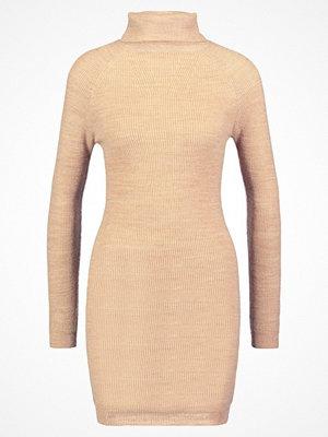 Dorothy Perkins Stickad klänning light brown