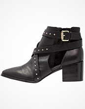 Ivyrevel Ankelboots black