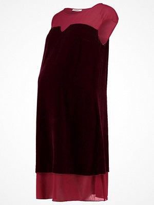 Sara' Cocktailklänning red