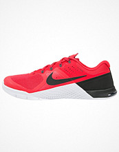 Sport & träningsskor - Nike Performance METCON 2 Aerobics & gympaskor action red/black/white