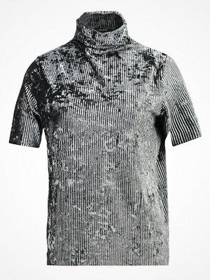 mbyM CHARLIE Tshirt med tryck green dust