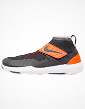 Sport & träningsskor - Nike Performance FLYLON TRAIN DYNAMIC Aerobics & gympaskor black/total crimson/white