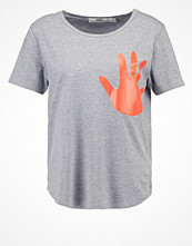 T-shirts - Hope Tshirt med tryck orange