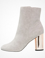 Miss Selfridge ALERT  Stövletter grey