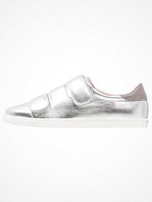 Sneakers & streetskor - KIOMI Sneakers saturno/mapache