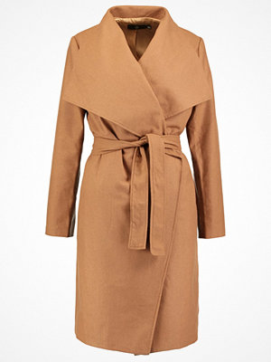 Missguided Kappa / rock camel