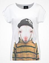 Saint Noir Tshirt med tryck white