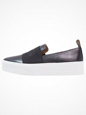 Sneakers & streetskor - Calvin Klein JACINTA Slipins black