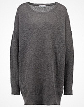 MOSS Copenhagen Stickad tröja dark grey melange