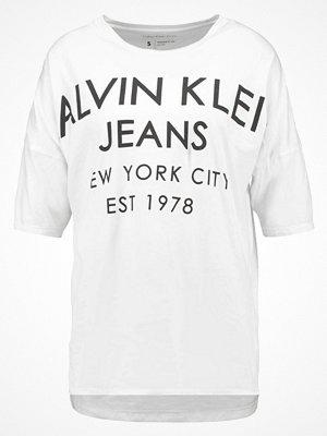 Calvin Klein Jeans TWAIN Tshirt med tryck white