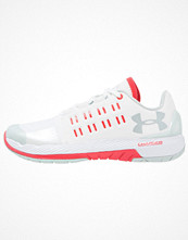 Sport & träningsskor - Under Armour CHARGED CORE Aerobics & gympaskor white/pomegranate/mineral gray