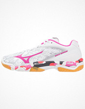 Sport & träningsskor - Mizuno WAVE MIRAGE Indoorskor white/electric/diva pink