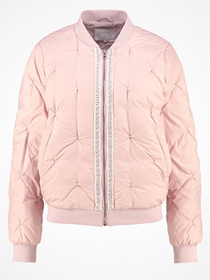 Cream AVIA Dunjacka pink tint