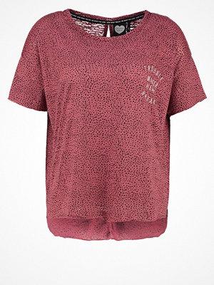 Catwalk Junkie Tshirt med tryck raspberry