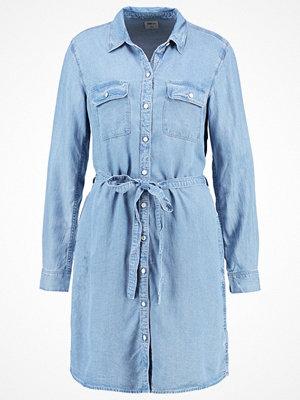 GAP PATCH SKY Skjortklänning medium indigo