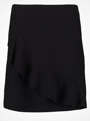Kjolar - Vero Moda VMSAMALINA Minikjol black