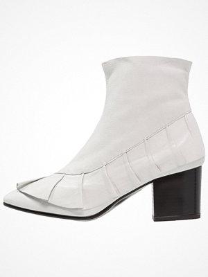 Stövlar & stövletter - Topshop MILLY  Stövletter white