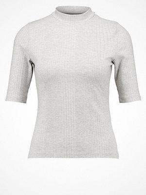 Even&Odd Tshirt med tryck light grey melange