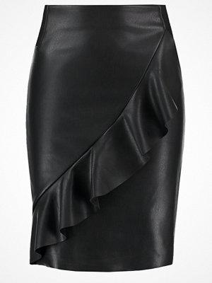 Vero Moda VMRUFFLE SHANE Pennkjol black beauty