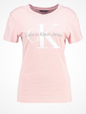 Calvin Klein Jeans SHRUNKEN TRUE ICON  Tshirt med tryck rose
