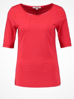 comma casual identity Tshirt bas koralle