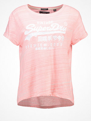 Superdry Tshirt med tryck candy coral/injected white