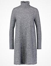 Only ONLELCOS Stickad klänning dark grey melange