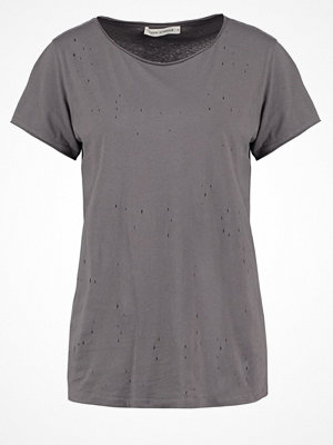 Sofie Schnoor Tshirt med tryck grey