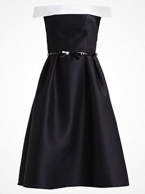 Dorothy Perkins Cocktailklänning black