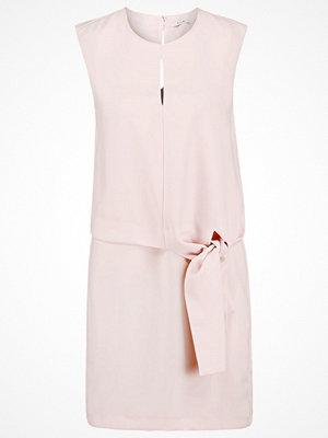 KIOMI Cocktailklänning rose