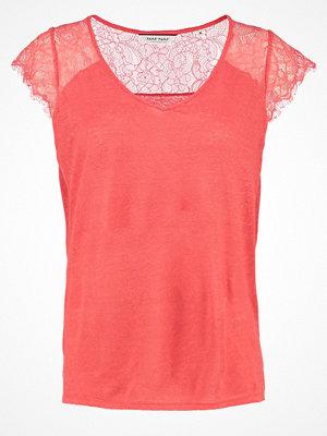NAF NAF OVERLAND Tshirt med tryck flamingo