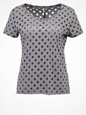 T-shirts - Only ONLMIRA  Tshirt med tryck grey