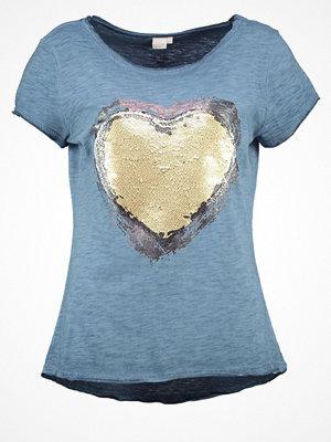 Cream TRINA  Tshirt med tryck kentucky blue