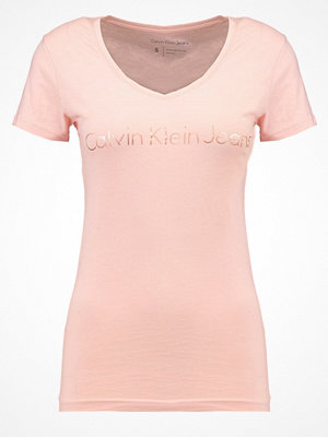 T-shirts - Calvin Klein Jeans Tshirt med tryck pink