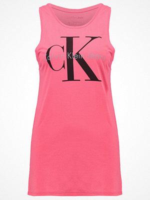 Calvin Klein Jeans TYLER TRUE ICON Linne pink