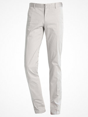 Byxor - Calvin Klein PIPER SLIM FIT Chinos light zinc