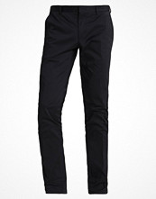 Byxor - Calvin Klein PIPER SLIM FIT Chinos black