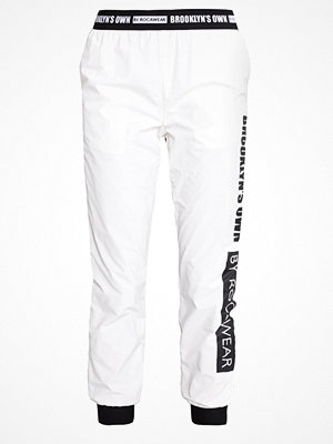 Brooklyn's Own by Rocawear Tygbyxor bright white med tryck