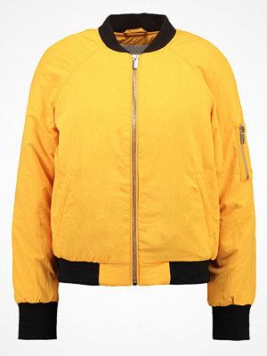 Vila VILYS Bomberjacka cadmium yellow