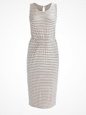 Nümph MADDY Jerseyklänning birch