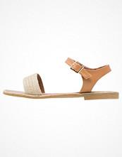Cassis côte d'azur QUETZA Sandaler & sandaletter camel