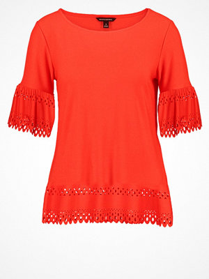 Banana Republic Tshirt med tryck red