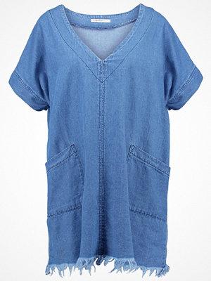 Glamorous Petite Jeansklänning denim blue