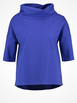 someday. UDINE Tshirt med tryck blue anemone