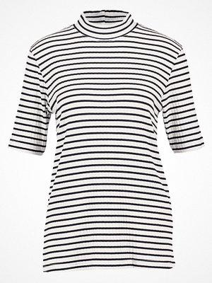 Karen by Simonsen Tshirt med tryck offwhite/black